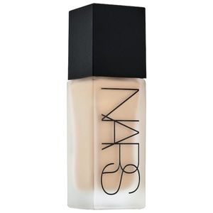 Nars All Day Luminous Weightless foundation 30ml
